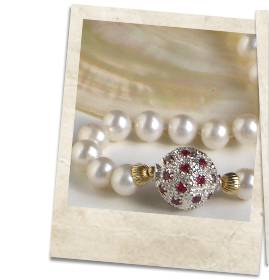 Garnet, sterling silver and pearl necklace - click for details