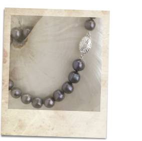 Black freshwater pearl necklace - click for details