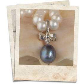 Black pearl and sterling silver pendant - click for details