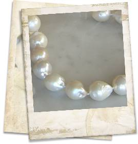 Baroque freshwater pearl necklace - click for details