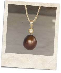 """Chocolate"" freshwater pearl and champagne diamond pendant - click for details"