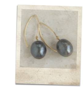 Large black freshwater pearl earrings - click for details